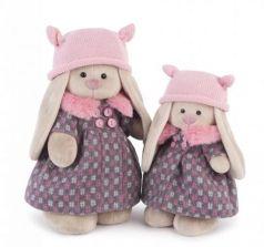 Мягкая игрушка заяц BUDI BASA Зайка Ми в пальто и розовой шапке 32 см бежевый розовый пластик текстиль искусственный мех StM-197